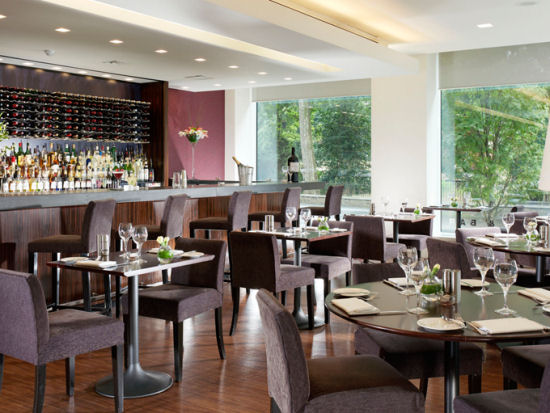 Island Restaurant & Bar @ The Royal Lancaster Hotel in  is today´s  Featured Restaurant